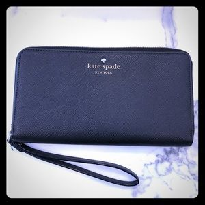Black kate spade new york Wristlet
